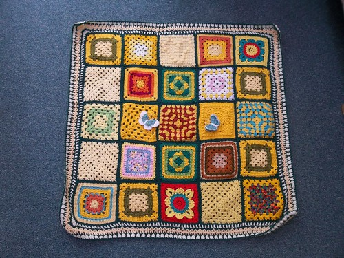 Thanks to everyone that contributed Squares for this Blanket. Thank you too jean nock for assembling it for me! 'Please add note' if you see your Square!