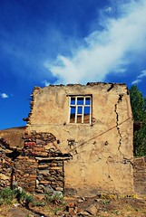 The Story of A Burnt House (NESIHO) Tags: village os burnt tr kurdistan ates koy kundus hizan axkis nesiho yakilmis