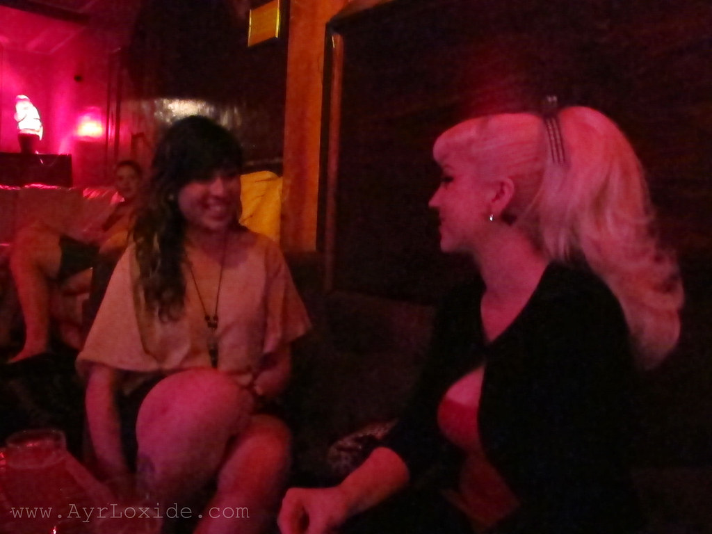 GARDLE BOUND Beer and pizza at Bimbo Deluxe (Ayr Lox'ide) Tags: fitzroy lingerie