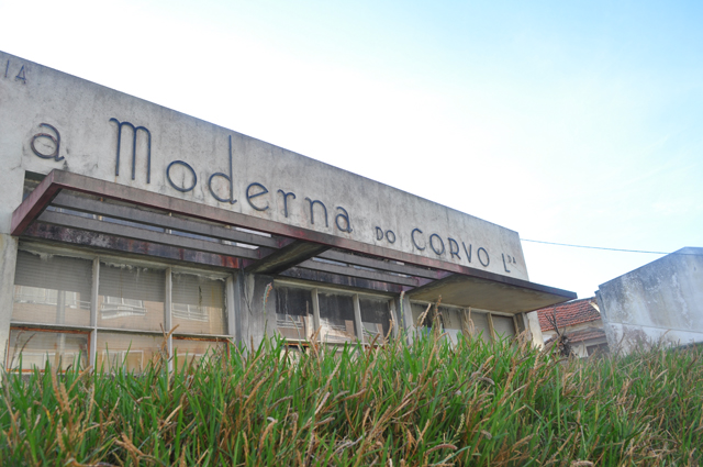 moderna do corvo