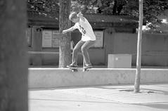 Yannik - Tailslide (dennibraun) Tags: red bw film analog self 35mm point diy skateboarding small skate skateboard apx100 rps format analogue rv rodinal developed apx ravensburg developing tailslide rolleiretro100