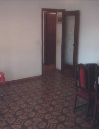 Gran salón comedor muy soleado.  Solicite más información a su inmobiliaria de confianza en Benidorm  www.inmobiliariabenidorm.com