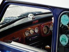 Mini Cooper interior (kenjonbro) Tags: blue london classic interior trafalgarsquare mini rover dash minicooper 1998 dashboard speedo dials 1275 kenjonbro fujihs10