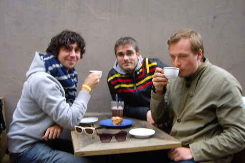 Tomando un café en Gamla Stan, Estocolmo