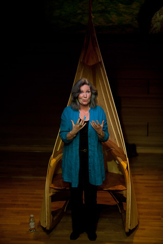 Storyteller, Nuala Hayes (Photo credit: Peter Dibdin)