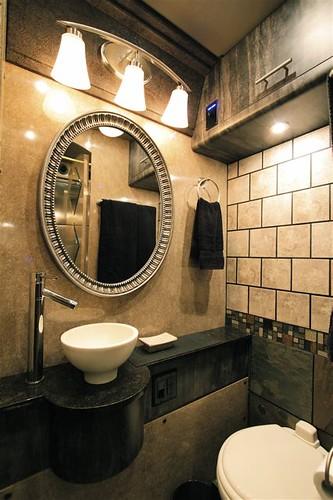 Arrowhead - Bathroom