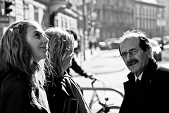 Family (Nicolas Pavlidis) Tags: street family people bw emotion familie menschen grayscale strase blackwhitephotos
