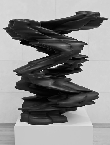 Runner by Tony Cragg | Nasher Sculpture Center, Dallas, Texas
