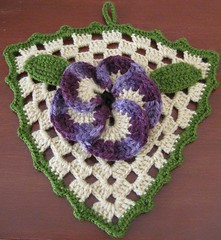 Pansy potholder (Lauris196) Tags: crochet flor pansy potholder agarradera