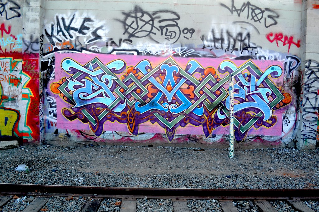 DAZ, Oakland, Graffiti, the yard