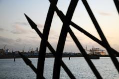 Rambla y Puerto (Picardo2009) Tags: puerto uruguay harbour crane montevideo grua nikonflickraward