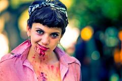 Pin-up (Fabio Sabatini) Tags: halloween argentina girl canon blood buenosaires cosplay bokeh vampire zombie 100mm f2 boke   zombiewalk    kosupure