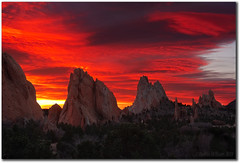 The Long View (Robin-Wilson) Tags: sunrise colorado gardenofthegods coloradosprings citypark veteransday 111111 waveclouds thelongview phoeniximmortal tpslandscape