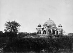Carl Gustaf Wittenströms Indien (Tekniska museet) Tags: india indien tekniskamuseet tempelruin templeruin carlgustafwittenström jounpor jaunpor