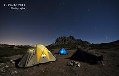 Habitacin con vistas (F. Prieto // fprieto.es) Tags: stars noche alicante estrellas nocturna sigma1020mm fotografianocturna fernandoprieto serrella nikond5000 placasa