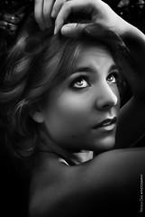 Light (NROmil) Tags: light white black blanco luz eyes noir alma negro young lips bn sensual mirada bianco belleza joven