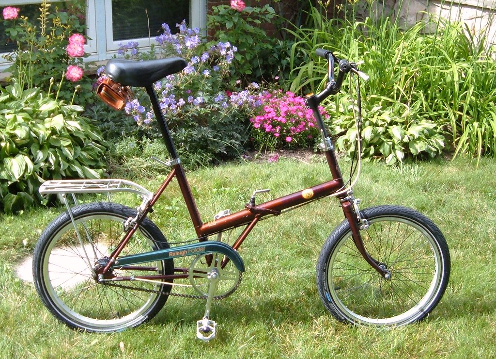 Raleigh #2 with alloy rims and Marathon tyres
