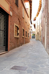 alley in chieri