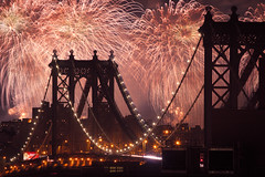 fireworks over the manhattan bridge (Barry Yanowitz) Tags: nyc newyorkcity bridge ny newyork brooklyn fireworks dumbo bridges event manhattanbridge fourthofjuly gothamist july4th 4thofjuly nycity 718 2011 macys4thofjulyfireworks downunderthemanhattanbridgeoverpass