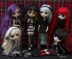1st: Punk Rock Family Portrait (Valrie Busymum) Tags: rock punk doll melissa groove pullip custom elisabeth monique prunella cornice rida akoya obitsu rewigged rechipped
