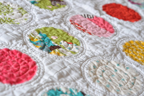 Applique circles quilt