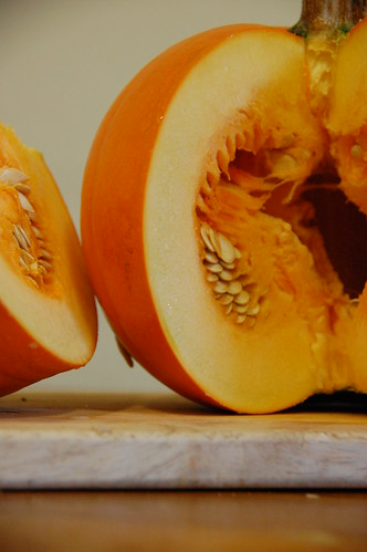 Pumpkin cut open captiontext=Autumnal Pumpkin