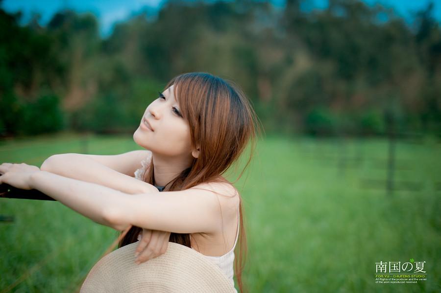 http://farm7.static.flickr.com/6059/6235141494_92368720bc_b.jpg