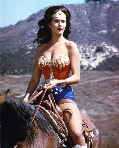 130043_lynda-carter-as-wonder-woman-circa-1975
