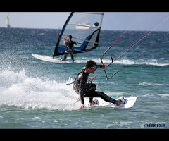 Kitesurf (Hyres , Var -France) (Vero7506) Tags: blue sea mer france sport vent boat surf  wind wave surfing bleu bateau vague kitesurf voile var planche windsurf nautique hyeres nautic funboard almanarre