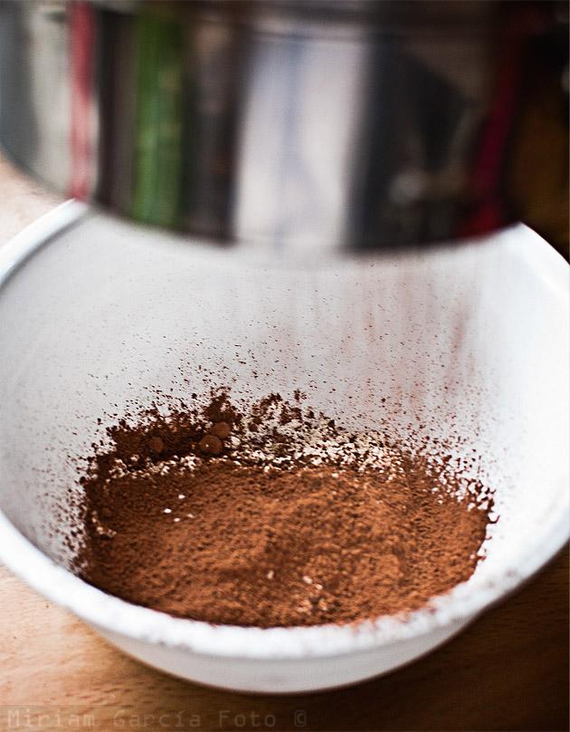 Cerniendo cacao