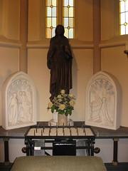 St.Oedenrode NBr Mariabeeld rk kerk (Arthur-A) Tags: church netherlands catholic maria interior interieur mary nederland kirche kerk brabant eglise protestant noordbrabant katholiek stoedenrode