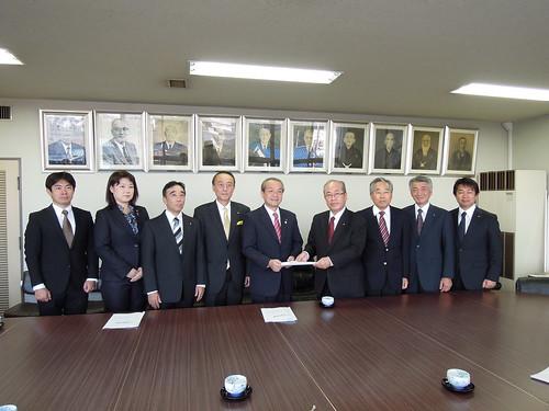 2011/10/28 蕨市議会 保守系会派 新生会による平成24年度予算要望提出