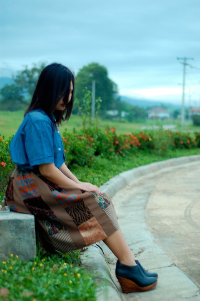 denise katipunera, pinay fashion blogger, filipina, thrift fashion, mommy style, brown skirt and denim top