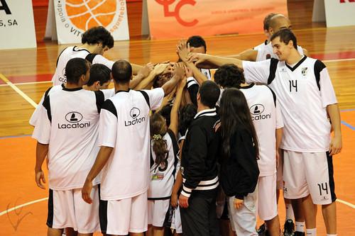 Basquetebol: Vitória 68-46 Casino Ginásio