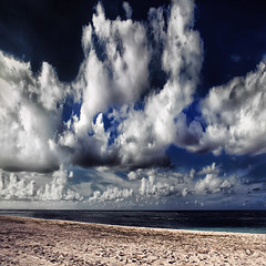 """Large and slow"" (helmet13) Tags: d90 raw landscape mauritius ocean beach sky clouds wind loneliness sand footprints vastness emptiness aoi bestcapturesaoi elitegalleryaoi gettyimages simplicity"