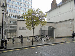 Ministry of Justice (DncnH) Tags: london westminster bike guesswherelondon ministryofjustice gwl goodsentrance queenannesgate pettyfrance