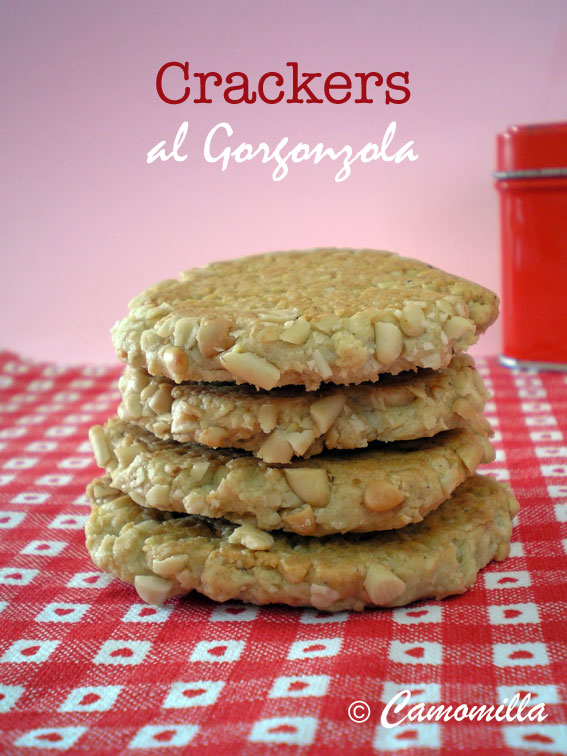 crackersgorgonzola