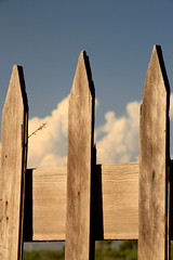 Fence with girly nails. (Ana Encinas.) Tags: wood cloud sonora canon fence mexico eos madera nube cerco 550d t2i anaencinas