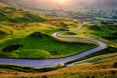 Bendy, curvy, windy road to Edale....at sunset (Keartona) Tags: road light sunset england landscape warm derbyshire windy bumpy curvy hills land edale pimply