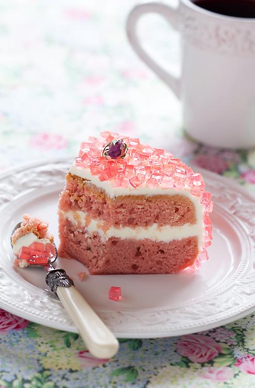 Rose jelly vegan cake