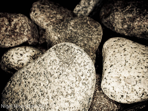 1000/619: 23 Oct 2011: Rocks by nmonckton