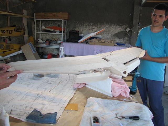Montagem gratificante P-47 Thunderbolt Do Kit ao AR - Página 2 6288115195_58fc22b67a_z
