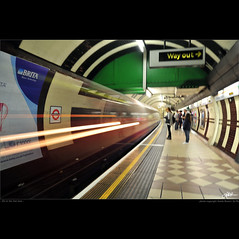 London in my eyes [64] - life in the fast lane (guido ranieri da re: work wins, always off) Tags: london nikon londra indianajones lifeinthefastlane d700 mygearandme mygearandmepremium nonsonoglianniamoresonoichilometri guidoranieridare londoninmyeyes 100shotsforlondon londraneimieiocchi 100scattiperlondra