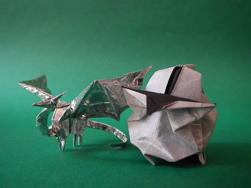 Origami Clone Trooper Helmet http://snkhan.co.uk/forum/viewtopic.php?t=7736