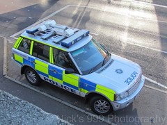 PSNI / Range Rover Vogue / Roads Policing Unit (Nick 999) Tags: road blue ireland roof lights code call police rover vogue vehicle service emergency northern range unit 999 sirens livery rpu lightbar policing psni nightscan