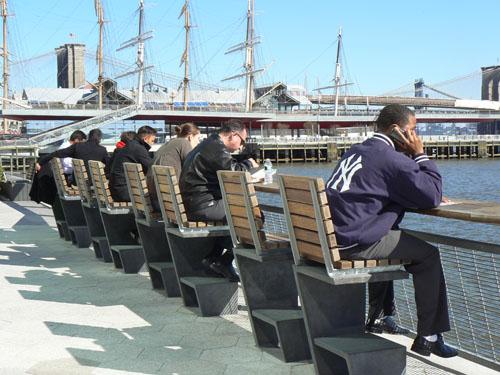 déjeuner au bord d'east river.jpg