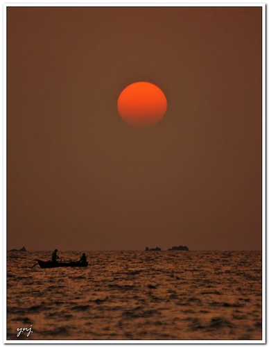 Sailing into the Setting Sun by Yogendra174