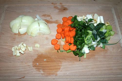 14 - Gemüse grob schneiden