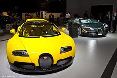 SMoores_11-11-10_Dubai Motor Show_0051 (Sam Moores Photography) Tags: show november sport dubai grand motor bugatti veyron 2011