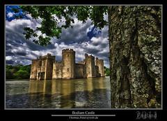Bodiam Castle (thpeter) Tags: uk england castle heritage europe historic bodiam moat eastsussex gmt gbr dst englishheritage 2011 thomaspeter thpeter